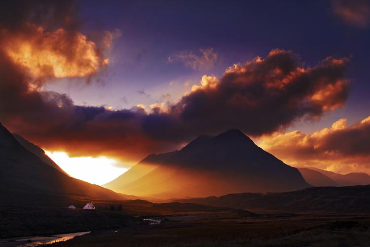 News 8 Now >> Award winning UK landscape photographer Peter Watson.